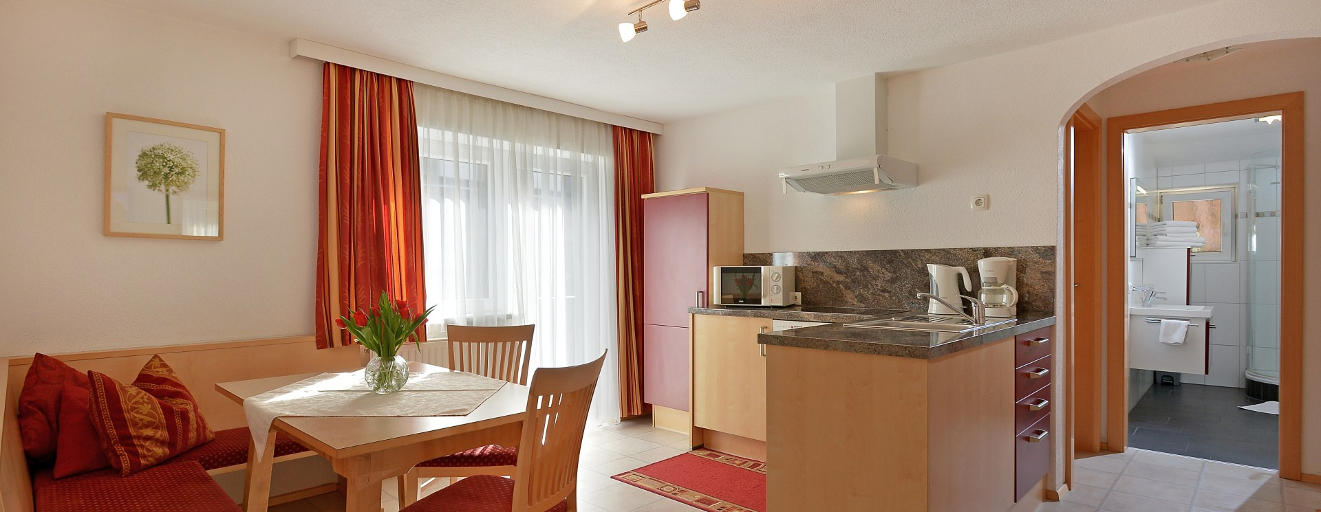 /userfiles/ferienwohnung_dorfstubn_soell_dorf_59_thersia_ager_appartement_1_wohnkueche1_1404835259.jpg